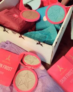 Jeffree Star Skin Frost TM Highlighting Powder