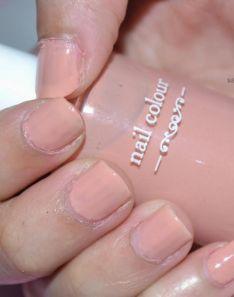 Elianto nail color
