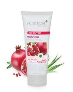 PETAL FRESH ORGANICS Aloe & Pomegranate Facial Scrub