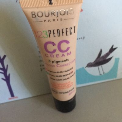 Bourjois CC cream 123 perfect