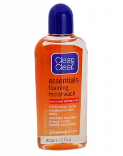 Essentials Foaming Facial Wash