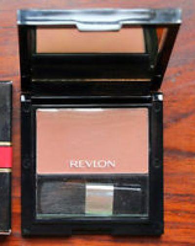 Revlon Natural Glamorous Blush On