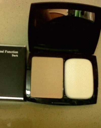 LT PRO Compact Powder Dual Function Beauty Product