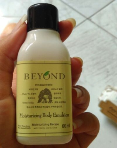 Beyond moisturizing body emultion