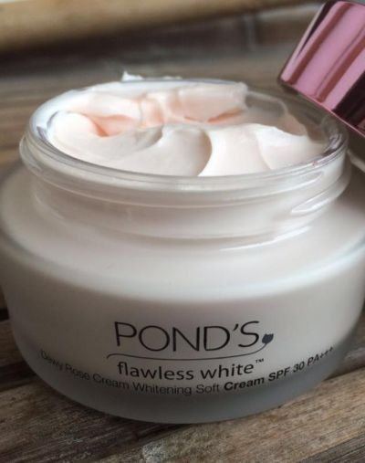 Pond's Flawless White Dewy Rose Cream