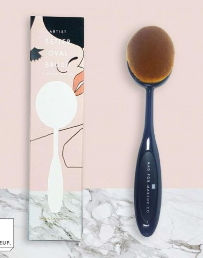 Mad For Makeup Better Oval Brush