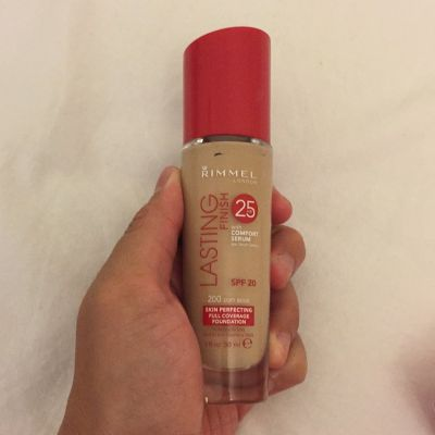 Rimmel Lasting Finish 25HR with Comfort Serum
