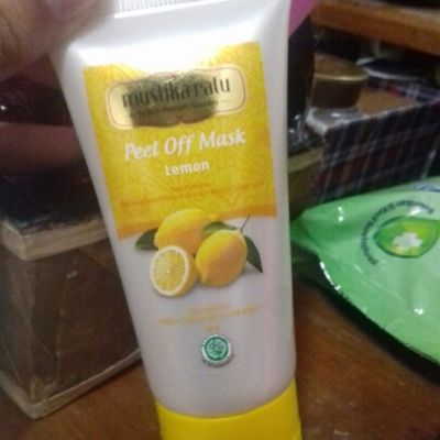 Mustika Ratu Peel off mask lemon