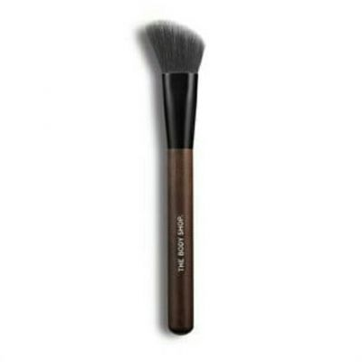 slanted blusher brush