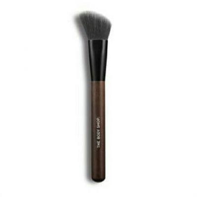 slanted blusher brush