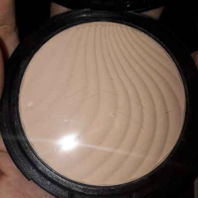 wet and dry compact powder