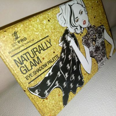 LT PRO Naturally Glam Eye Shadow Palette