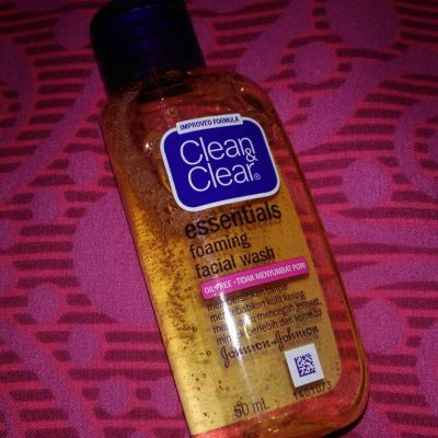Clean And Clear clean and clear essential foaming facial wash