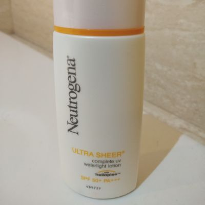Ultra Sheer Complete UV Waterlight Lotion SPF 50+