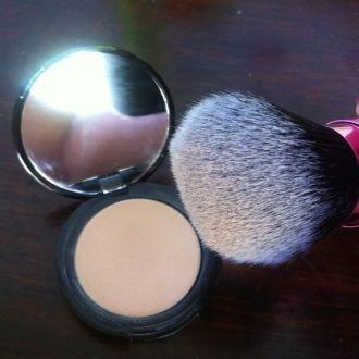 Real Techniques Retractable Kabuki Brush