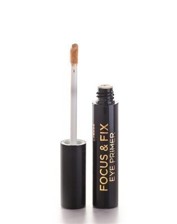 Makeup Revolution Focus & Fix Eye Primer