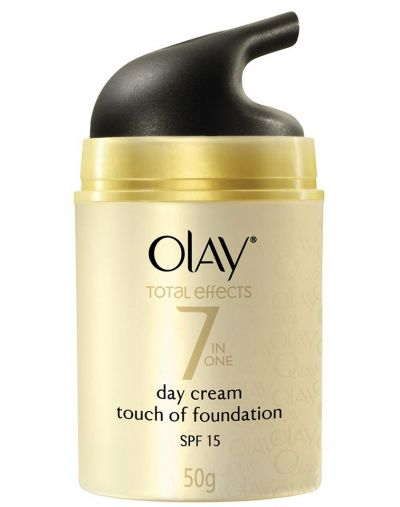 Olay Total Effects 7 in 1 Day Cream Touch of Foundation SPF 15